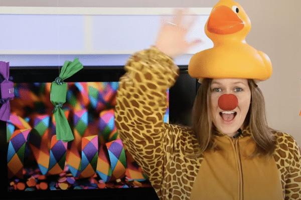 Basteln an Karneval: Bonbons als witzige Dekoration 🎉